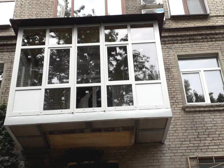 вікна рехау бровари1